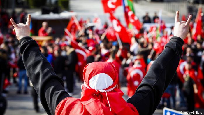 MHP'yi Avrupa'da yasaklama manevraları…Sıra Almanya'da…